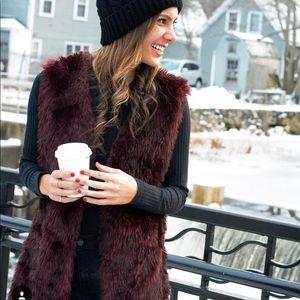 Me Jane Maroon Faux Fur Vest Size Large